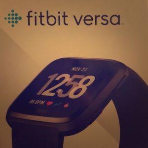 Brand new Black/Silver Fitbit versa